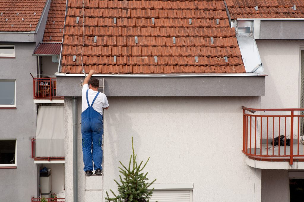 4 Diy Fi For Leaky Gutters The Spoutoff